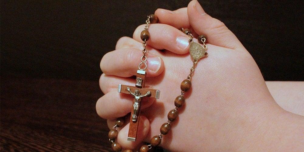 como rezar el rosario de liberacion-min