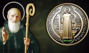 Cómo rezar el Rosario de San Benito