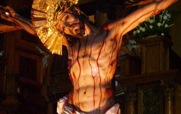 Como rezar el rosario de la sangre de Cristo
